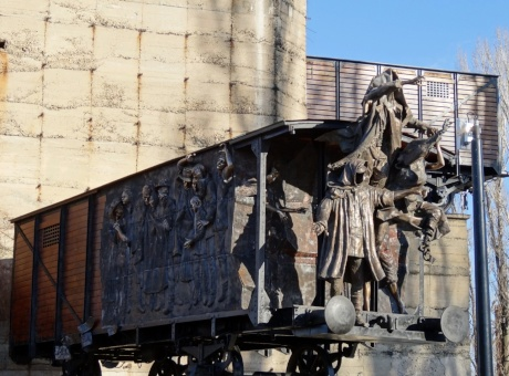Párkányi Péter eddigi legnagyobb köztéri szobrát avatták