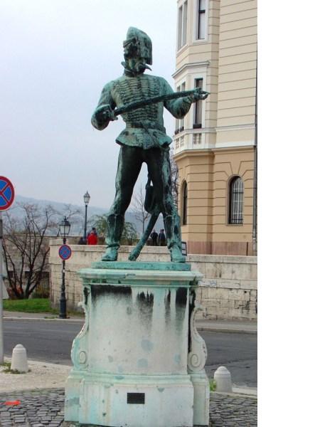 Kisfaludi Strobl, Zsigmond: Hussar Zuschauert seine Schwert