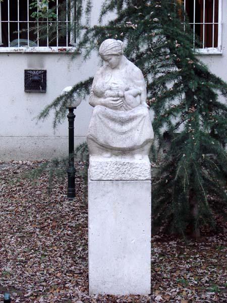 Medgyessy Ferenc: Anyaság