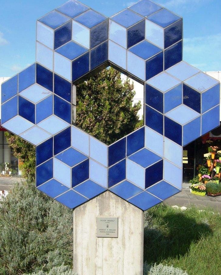Victor Vasarely: Köztéri szobor - Budapest, Déli pályaudvar