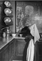 Brassaï: A Beaune-i gyógyszertári ápoló